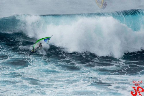 Hard crash at Jaws